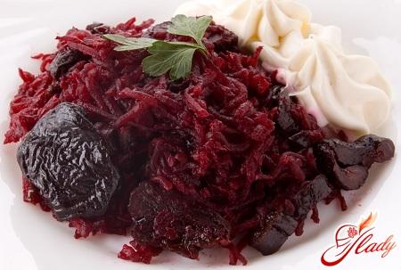 salad of beet and prunes