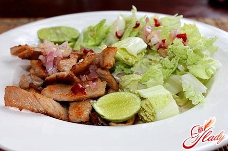 рецепти салатів зі свинини