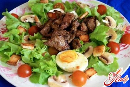 salad of raw champignons