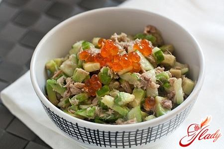 avocado salad with cucumber