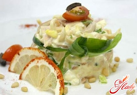 salad with squid and mushrooms