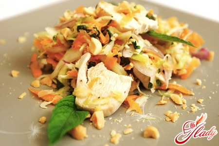 salad with chinese cabbage and chicken