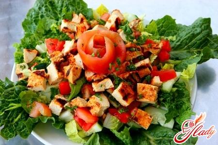 chicken salad and tomato
