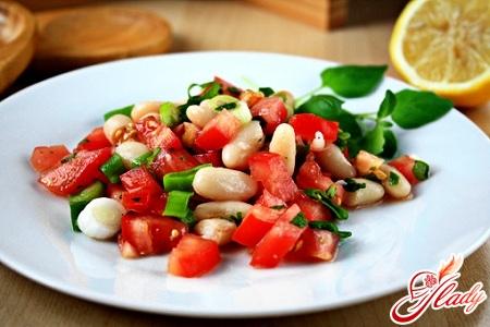 салат з помідорів