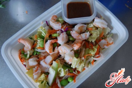 рецепти салатів з соєвим соусом