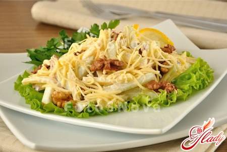 salad with cheese and apples