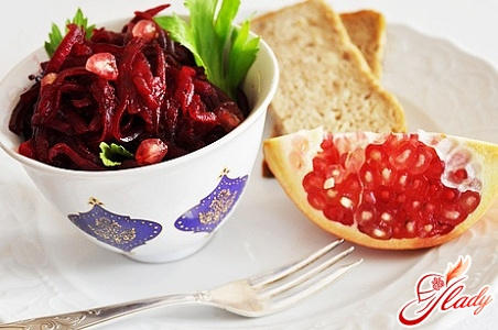 salad with prunes and beets