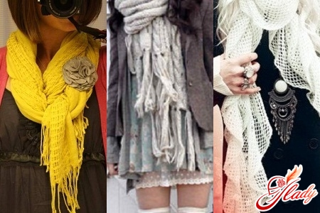 tie a beautiful scarf with knitting needles
