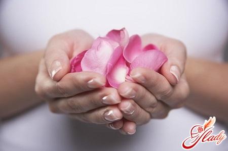 лущення шкіри на пальцях рук