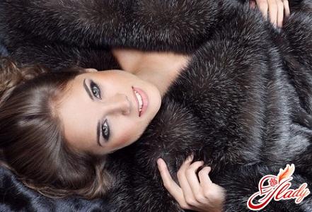 models of fur coats from artificial fur