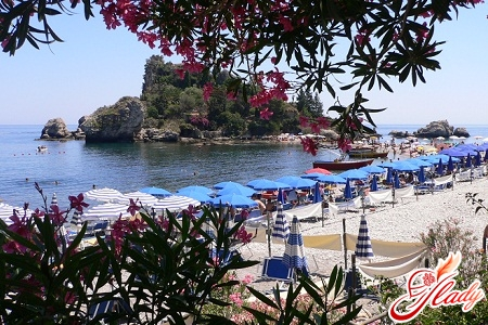 holiday in sicily in winter and summer