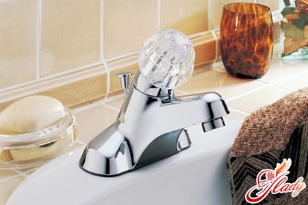 which bathroom faucet is better