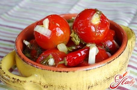 рецепт солоних помідорів