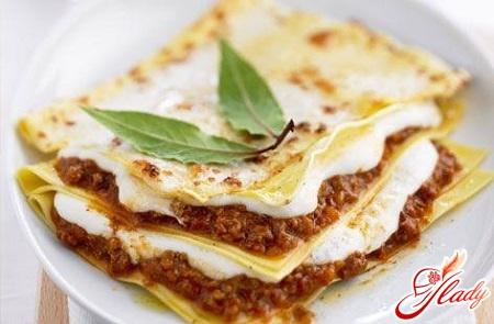 delicious lasagne béchamel sauce