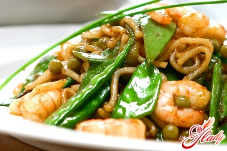 creamy sauce with shrimps