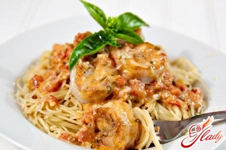 sauce with shrimp for spaghetti