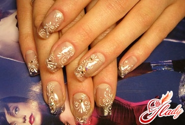 Nail design with a jacket with rhinestones