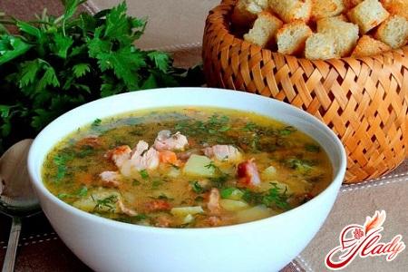 простий рецепт горохового супу з копченостями