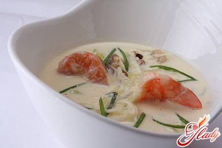 light soup cream with seafood