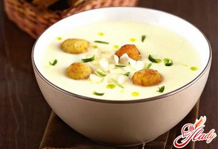 classic soup puree with cheese balls