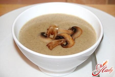 simple recipe mushroom soup of mushrooms