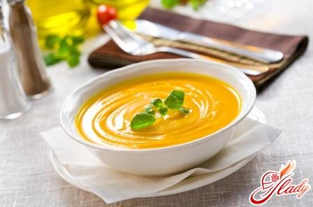 different recipes of pumpkin puree soup