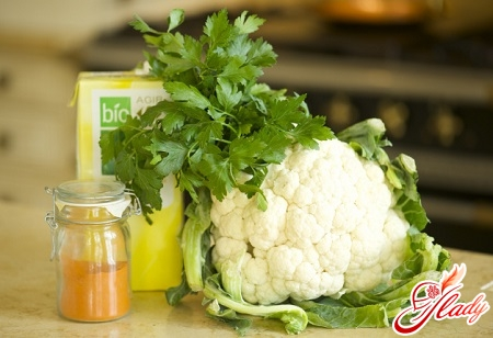 Ingredients for simple soup with cauliflower