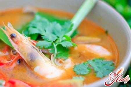 Thai soup that pits