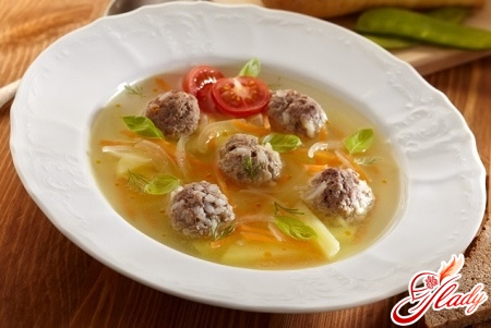 simple soup with meatballs