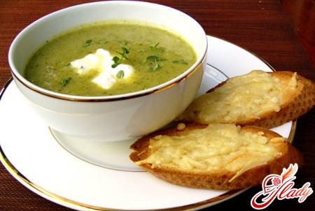 soup in a multi-barrel with croutons