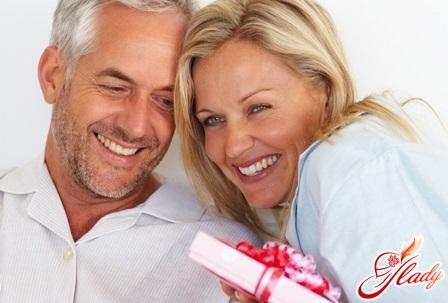 подарунки чоловіка та дружини один одному