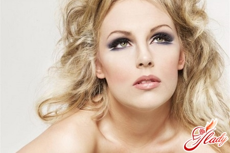 beautiful wedding makeup for blondes