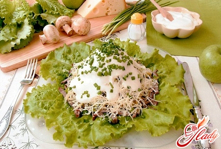 simple salad with cheese