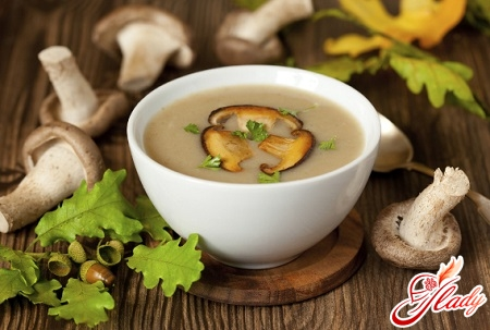 cheese soup with mushrooms