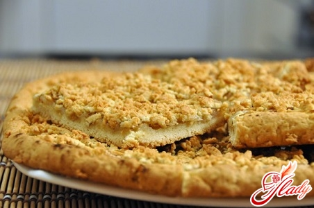 pie with grated apples