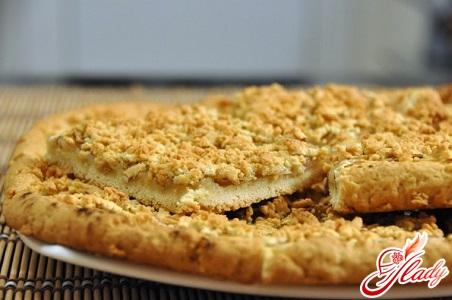 пиріг з тертими яблуками