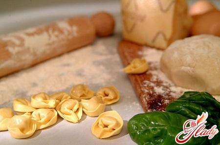 різні способи приготування тіста для пельменів