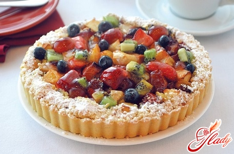 pie with assorted fruits