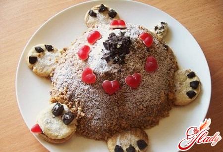delicious tortoise cake with kiwi