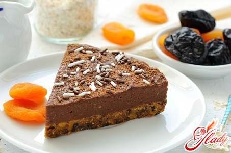 prune cake in chocolate