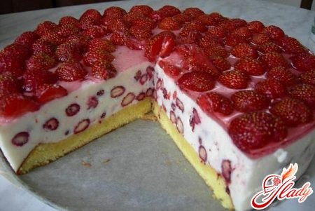 curd cake with fruit
