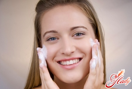 treatment of acne on the face
