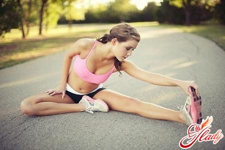 вправи для схуднення стегон і ніг