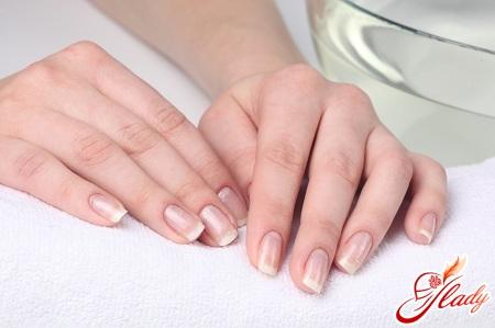 догляд за руками і нігтями