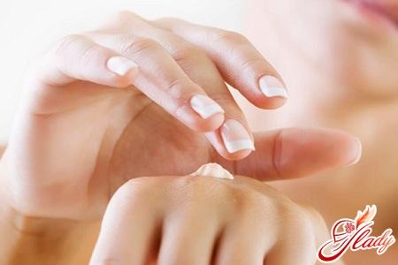 догляд за нігтями і руками