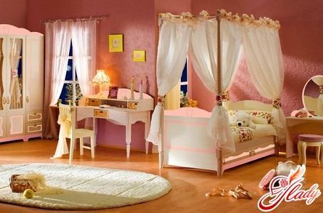 the bedroom is cozy
