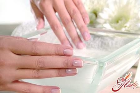 trays for nails