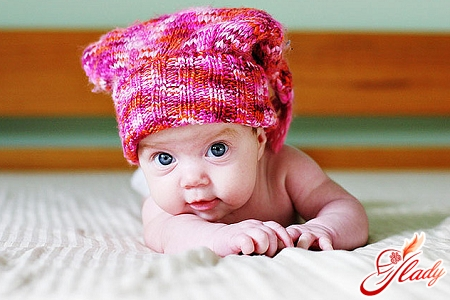 knitting of children's hats