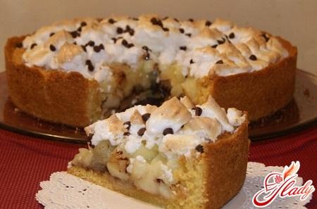 apple pie with meringue