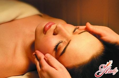 Shiatsu face massage